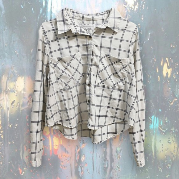 KENDALL AND KYLIE | PLAID FLANNEL BUTTON UP